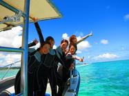 1グループ貸切制・青の洞窟シュノーケル&美ら海体験ダイビングSET ≪らくらくボート開催/無料写真撮影サービス付き≫