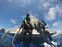 <楽々セットプラン第4弾>青の洞窟ボート体験ダイビング+マリンスポーツ2チョイス